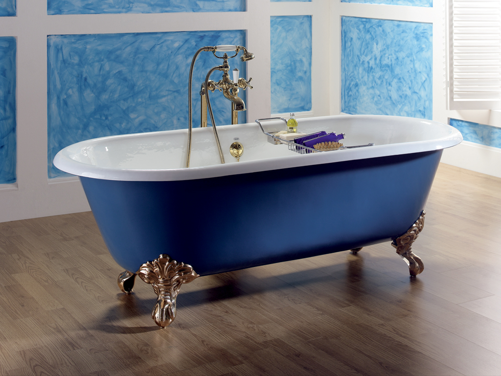 Tc scotsman cast iron bath on feet nationwide bathrooms for Tc bathrooms