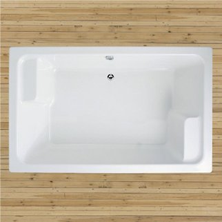 Adamsez grenda large square bath with whirlpool system for Square baths